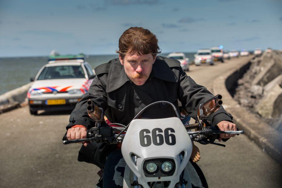 Een afbeelding van Ron Goossens: Low-Budget Stuntman